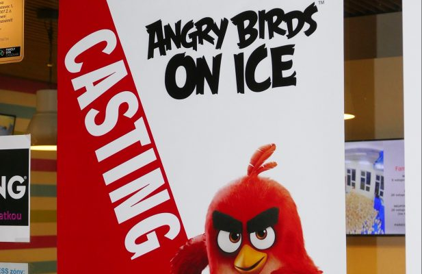 Angry Birds on Ice Casting